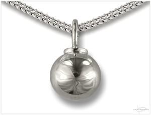 Zilveren ashanger bolvorm